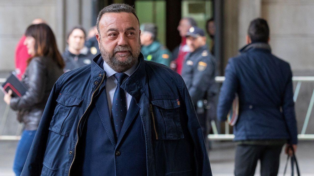 El exviceconsejero de Innovación Jesús María Rodríguez Román, 6 años y 2 días de prisión, e inhabilitación absoluta por tiempo de 15 años y dos días por delito continuado de malversación