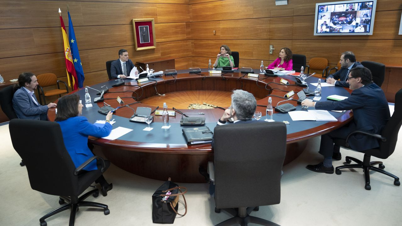 Sánchez detalla cómo será la desescalada a partir del 2 de mayo.Pedro Sánchez presidió el Consejo de Ministros celebrado en la Moncloa, al que asistió también el vicepresidente segundo del Gobierno, Pablo Iglesias