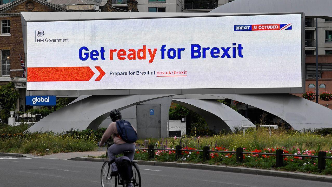 El Gobierno británico ha instalado en las calles de Londres carteles de concienciación ante el «brexit»