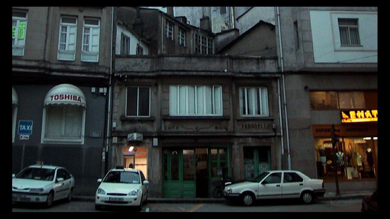Exterior del Bar Sabadelle en Recatelo, en el 2002