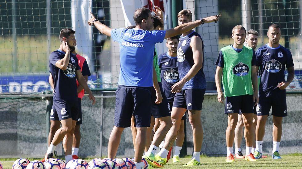 El Deportivo-Eibar, en fotos.Bruno Gama, tocado el pasado jueves en Abegondo