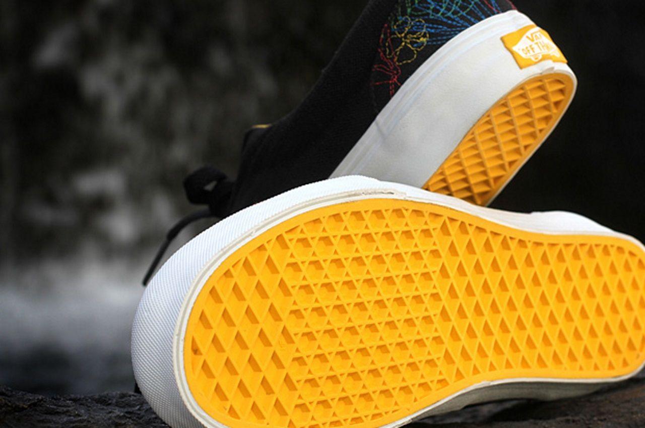 Suela zapatillas. Son una herencia de las botas de los astronautas, que se diseñaron para pisar la superficie de la Luna con seguridad