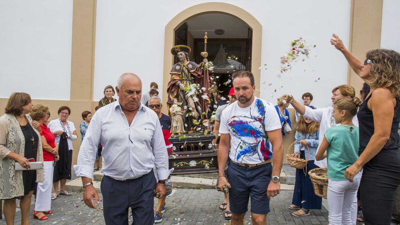 La procesión y sesión vermú deCorme, en imágenes.Prendas incautadas en las fiestas de San Roque de Tineo