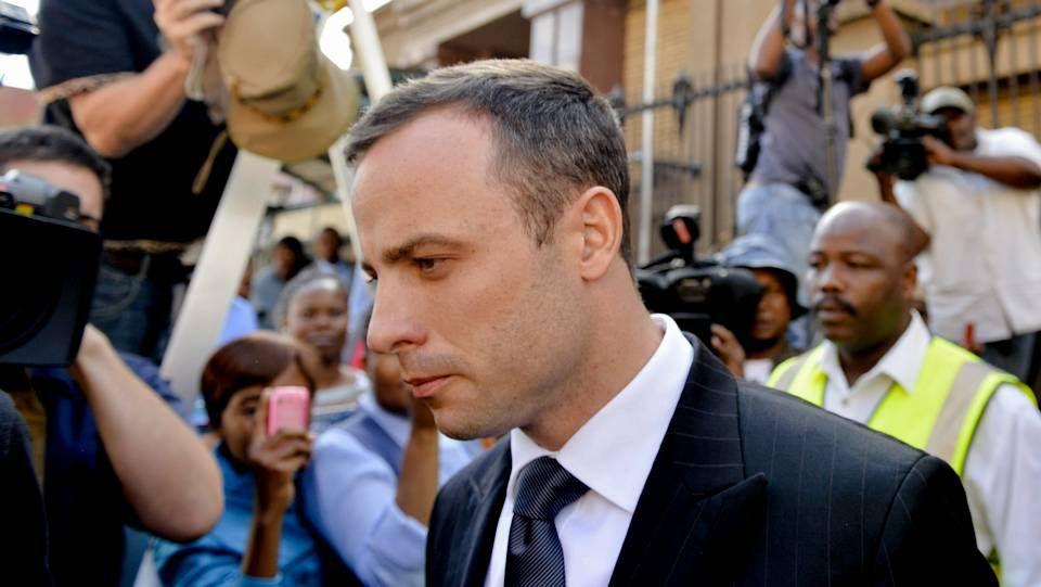 Pistorius a su salida del juzgado tras la cuarta jornada de su declaración
