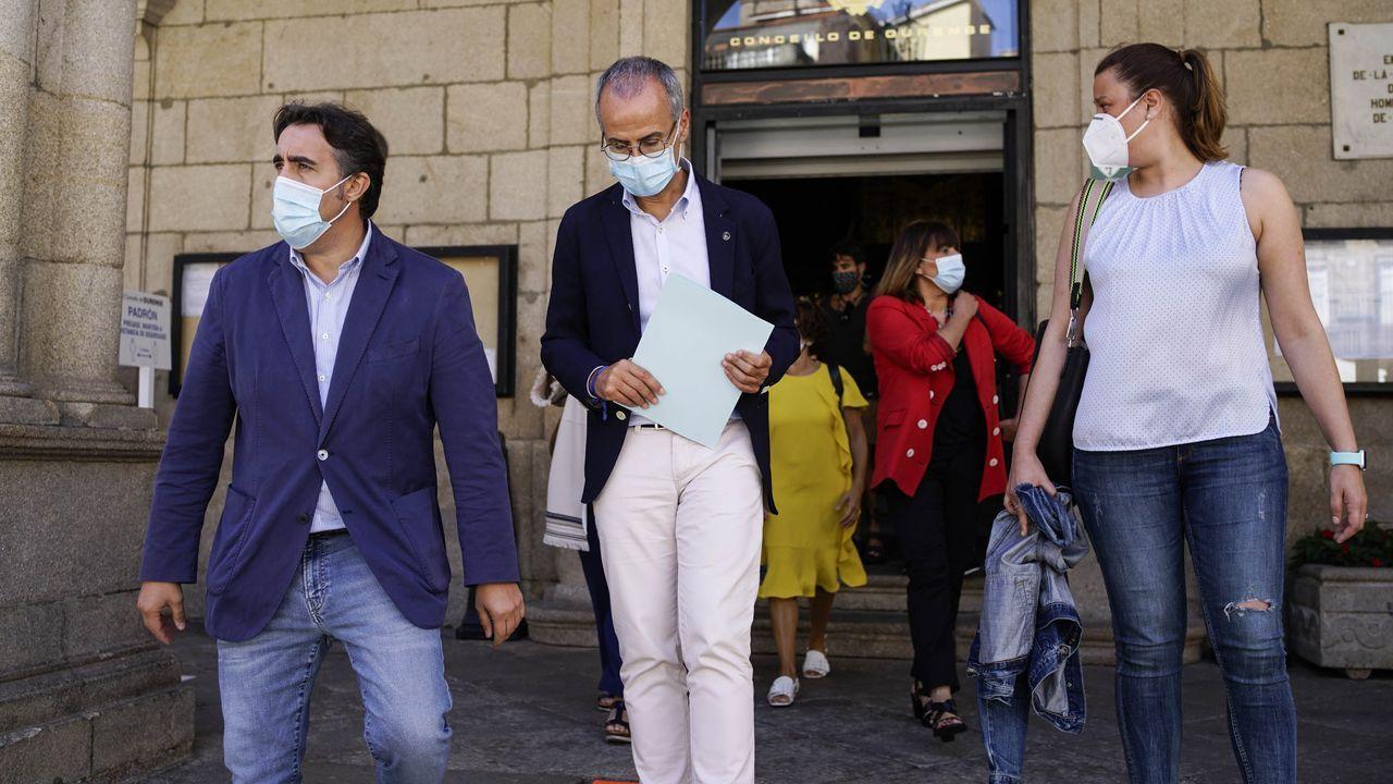 Los concejales del PP, tras la comparecencia en la que anunciaron su renuncia a las competencias de gobierno