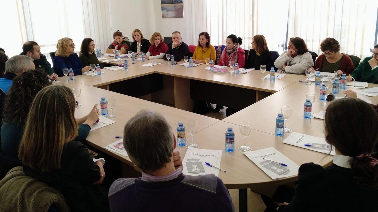 La letra asturiana de «El violador eres tú».El ministro de Sanidad, Salvador Illa, en el acto sobre violencia machista en donde acompañó a la reina Letizia