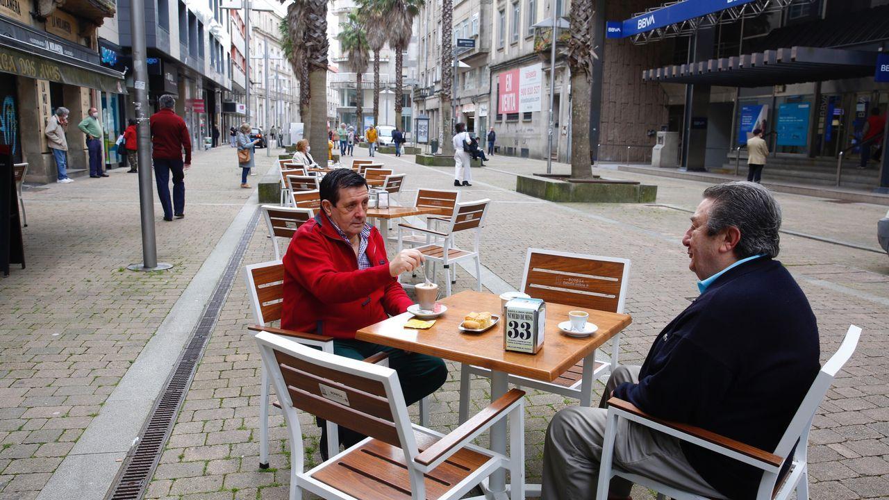 Las primeras horas de Galicia en la fase 1 dejaron de forma general un aumento de movimiento en las calles. Así amaneció Pontevedra