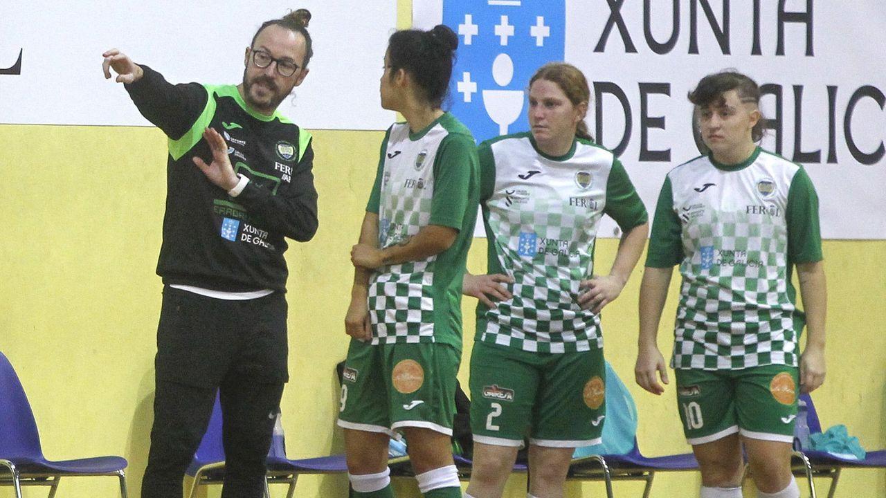 Las imágenes del empate entre el Racing de Ferrol y el Numancia de Soria en A Malata