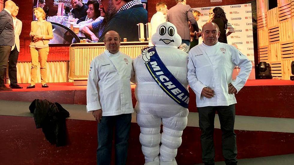 Los más baratos de la guía Michelín.El chef Sebastien Bras (izquierda), junto a su padre, Martin Bras, en el restaurante Le Capucin, en Toulouse