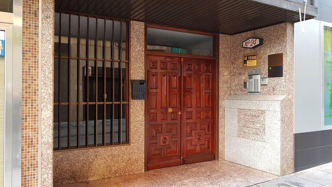 El portal del domicilio de Puertollano donde se produjeron los hechos