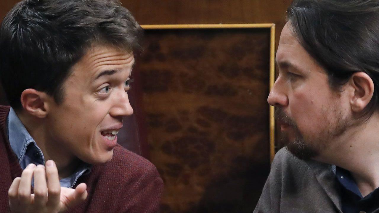 Pablo Iglesias comparece tras la filtración del documento de Bescansa.Errejón, Bescansa e Iglesias en un pleno del Congreso celebrado el 18 de octubre de 2016