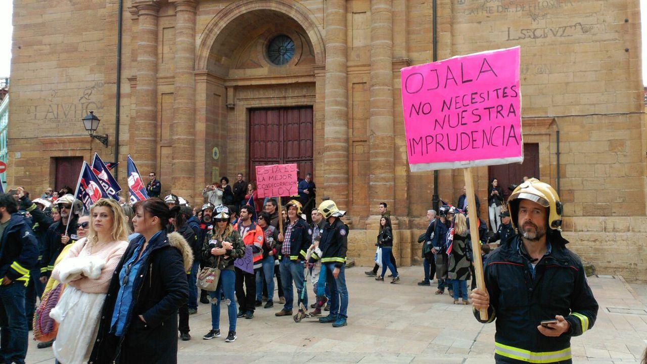 Bomberos de toda España reivindican a Eloy Palacio.Lotería Nacional