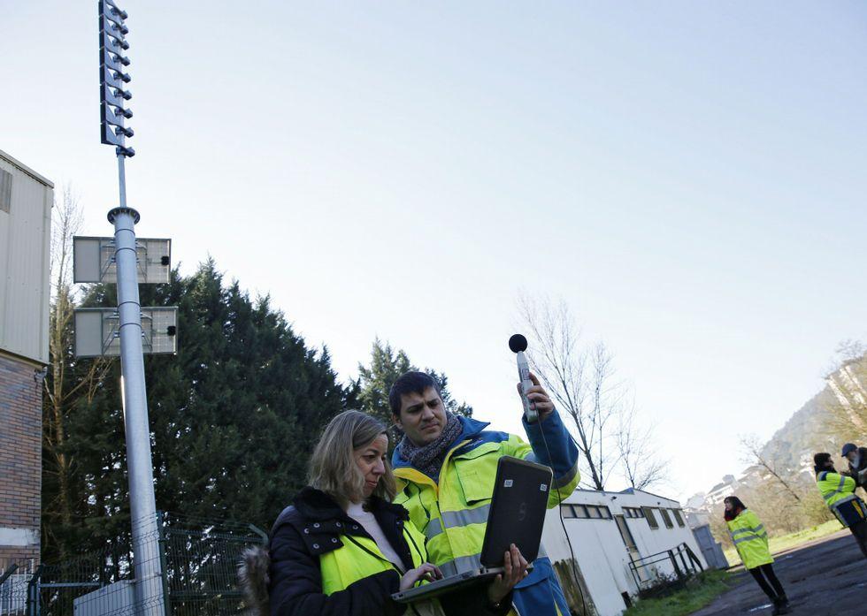 Las sirenas, nueve, están instaladas en postes de 15 metros de alto y se oyen a un kilómetro.