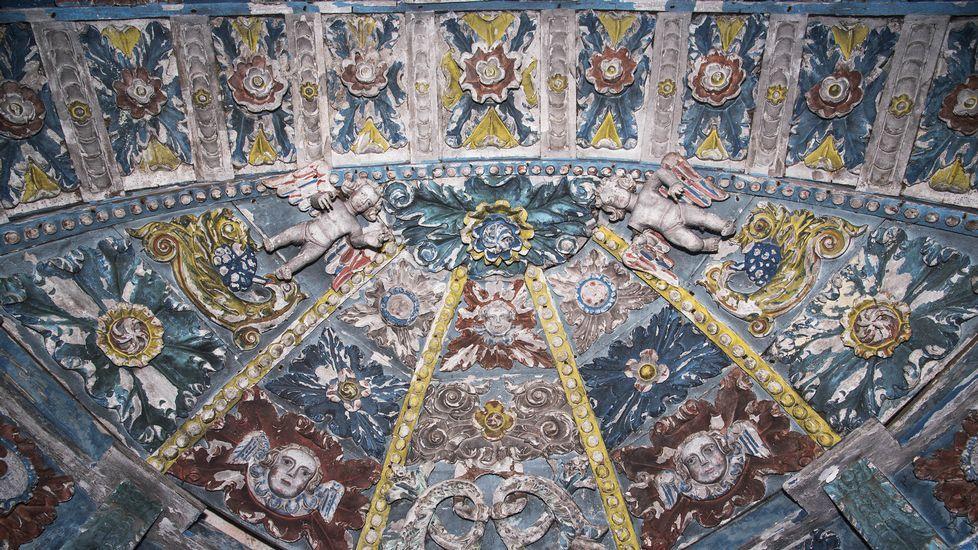 Detalle del retablo mayor de la iglesia