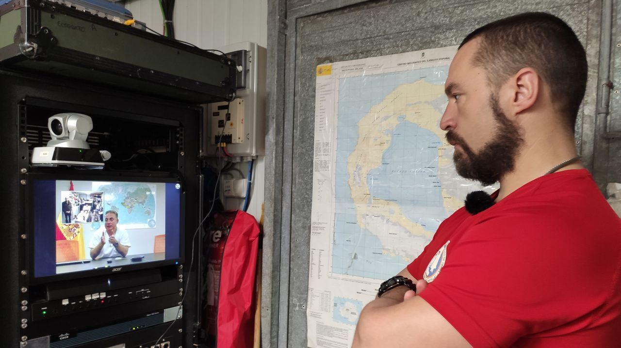 ¿Y si necesitas un médico en la Antártida?.El volcán Taal, expulsando cenizas y humo