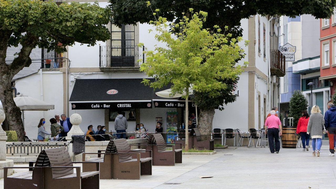 Terraza en la alameda Basanta Olano, en el centro de Vilalba
