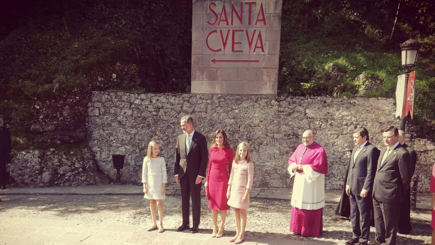 La familia real llega a Covadonga en el Día de Asturias
