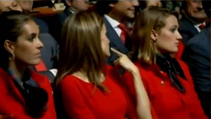 El ¿por qué no te callas? de la princesa Letizia durante el discurso del príncipe ante el COI.Carmen Maura recibió ayer en el festival el Premio Donostia por su larga carrera.