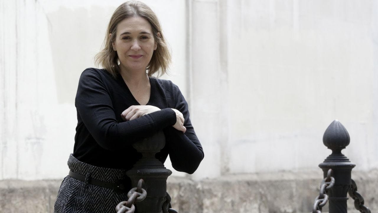 Pablo Iglesias, de mítin en Vigo.A Marta Rivera le acompaña su marido al final de la lista de Ciudadanos por A Coruña