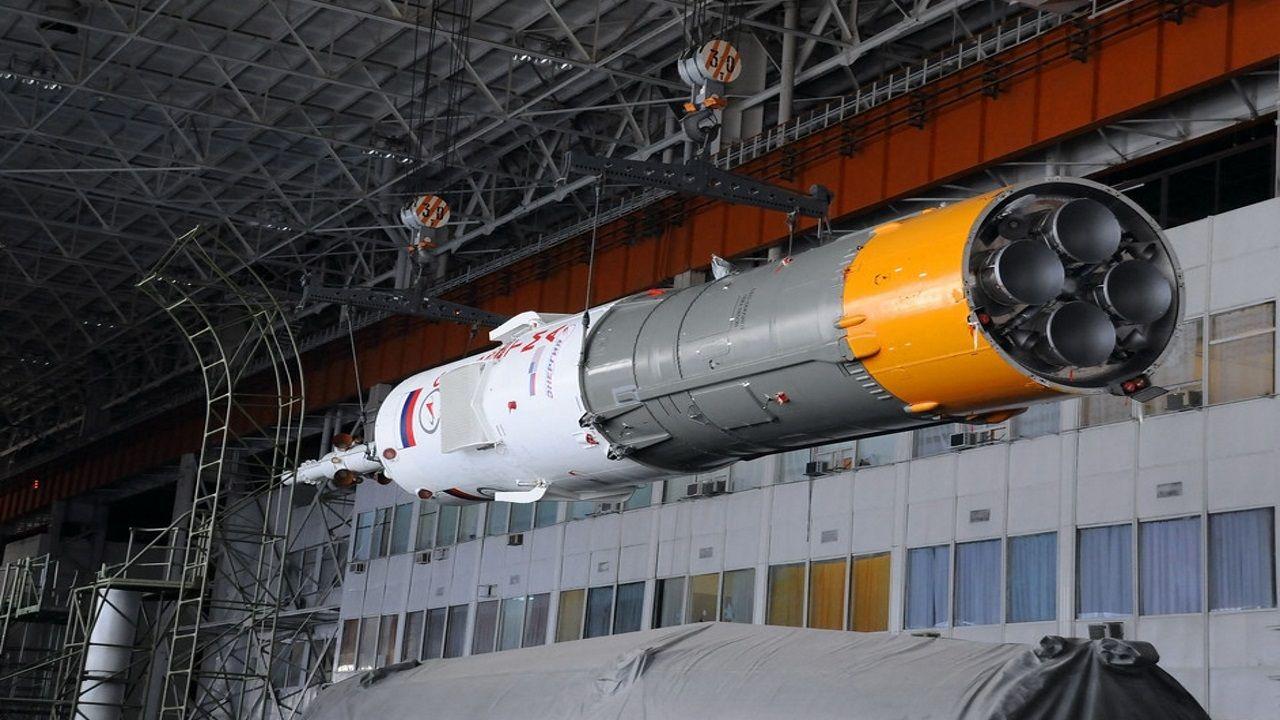 El módulo blanco del cohete contiene la carga para la Estación Espacial Internacional mientras que el gris  forma parte de una de las últimas etapas y que sirve para impulsar. Este módulo del Soyuz es el que se desintegró en el cielo gallego