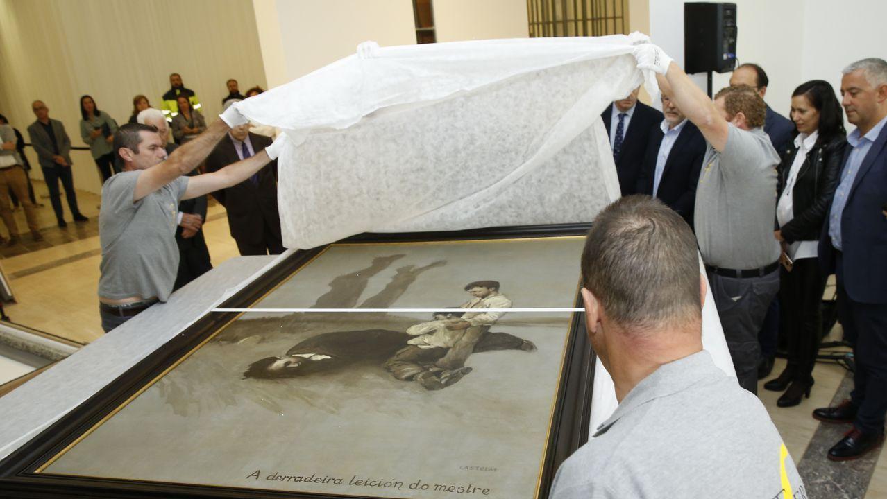 Siete pianos a disposición de todos en el casco histórico de Santiago.O cadro foi desembalado este mércores na Cidade da Cultura, onde se poderá ver a partir deste venres