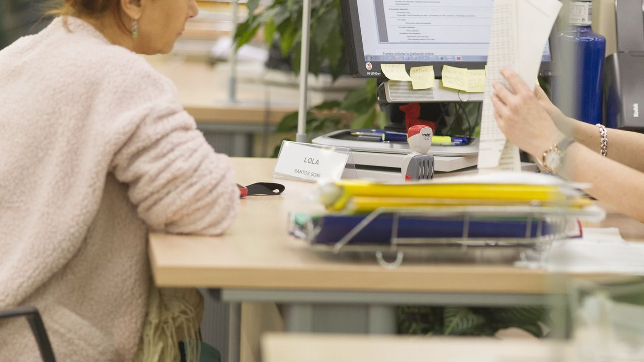 Ourense estrea biblioteca.Aprobación de los Presupuestos en el Parlamento gallego
