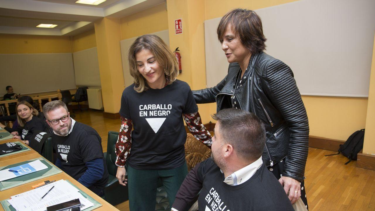 Feijoo saluda al excoordinador de Ciudadanos en Lugo. Fue llamativa la presencia, en primera fila, de Jacobo Vázquez, hasta hace dos meses coordinador provincial del partido naranja. óscar cela