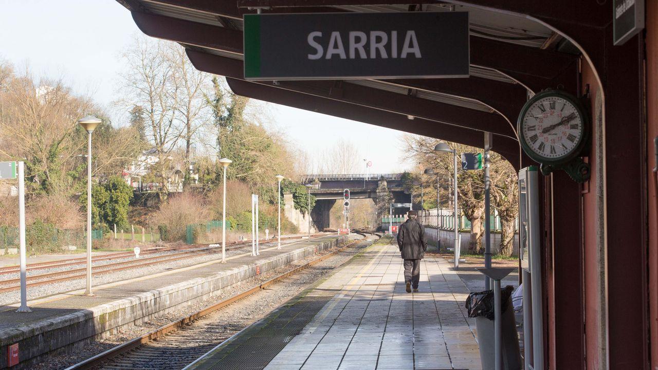 Estación de Sarria se convierte en apeadero.Estacion de Ribadavia, que clausurará oficialmente la venta de billetes que no funciona hace meses