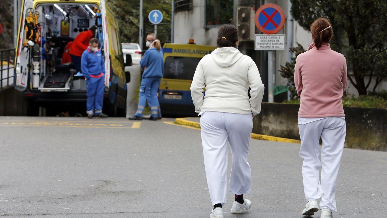 Uno de los accesos al hospital Montecelo, en Pontevedra