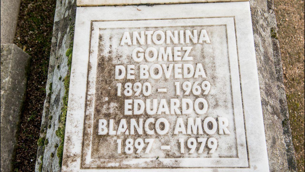 Cementerios singulares de Ourense.El de San Francisco es el referente en la ciudad. Tiene sepulturas ilustres como la de Eduardo Blanco Amor.