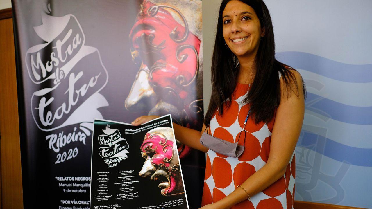 Álbum de fotos: Santa Uxía se impuso al covid para celebrar su patrona más atípica.Paciente accediendo al servicio de urgencias del Hospital Clínico de Santiago