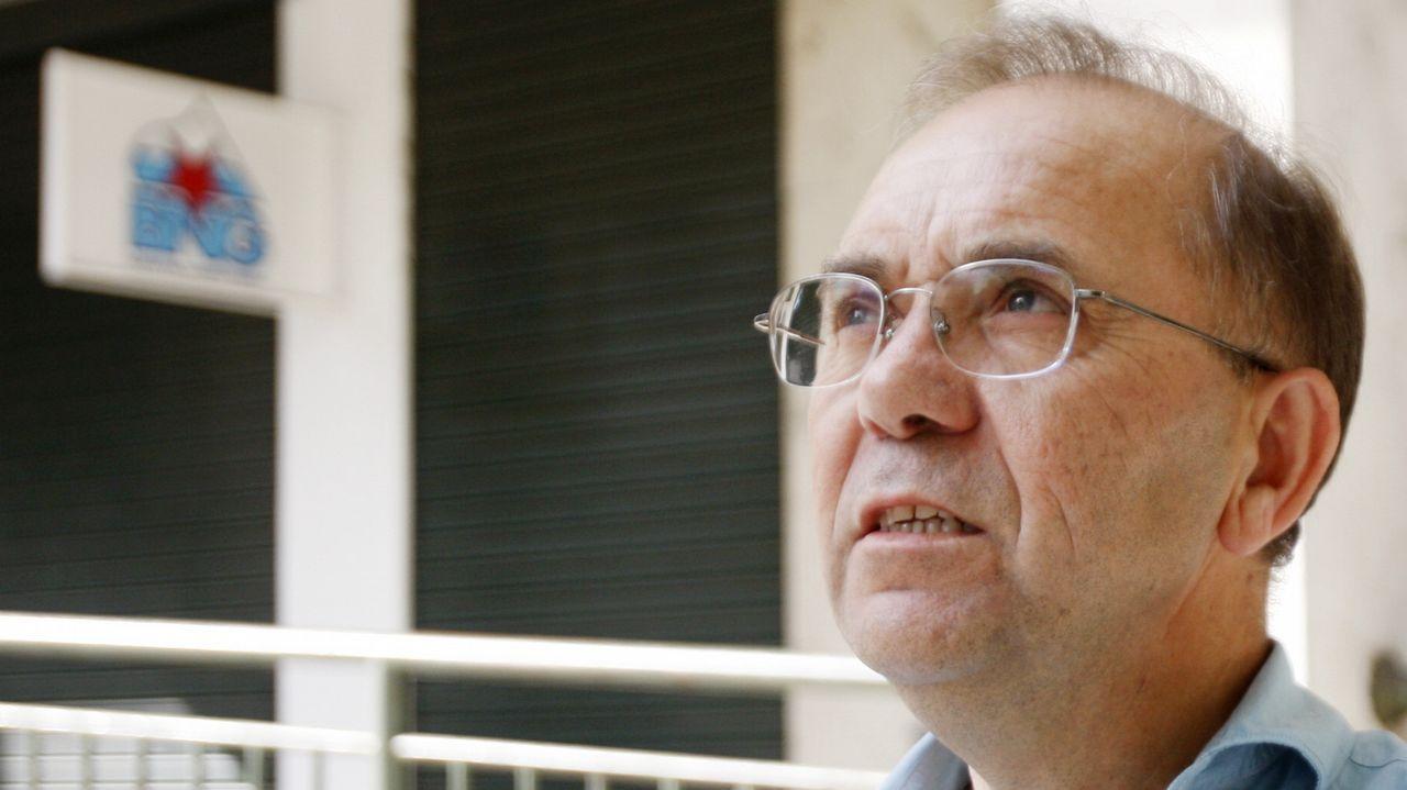 Enrique Cabaleiro, hace cuatro años con el bastón de mando de Tui