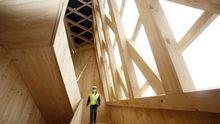 En las entrañas del edificio de madera Impulso Verde, construido por el Concello de Lugo