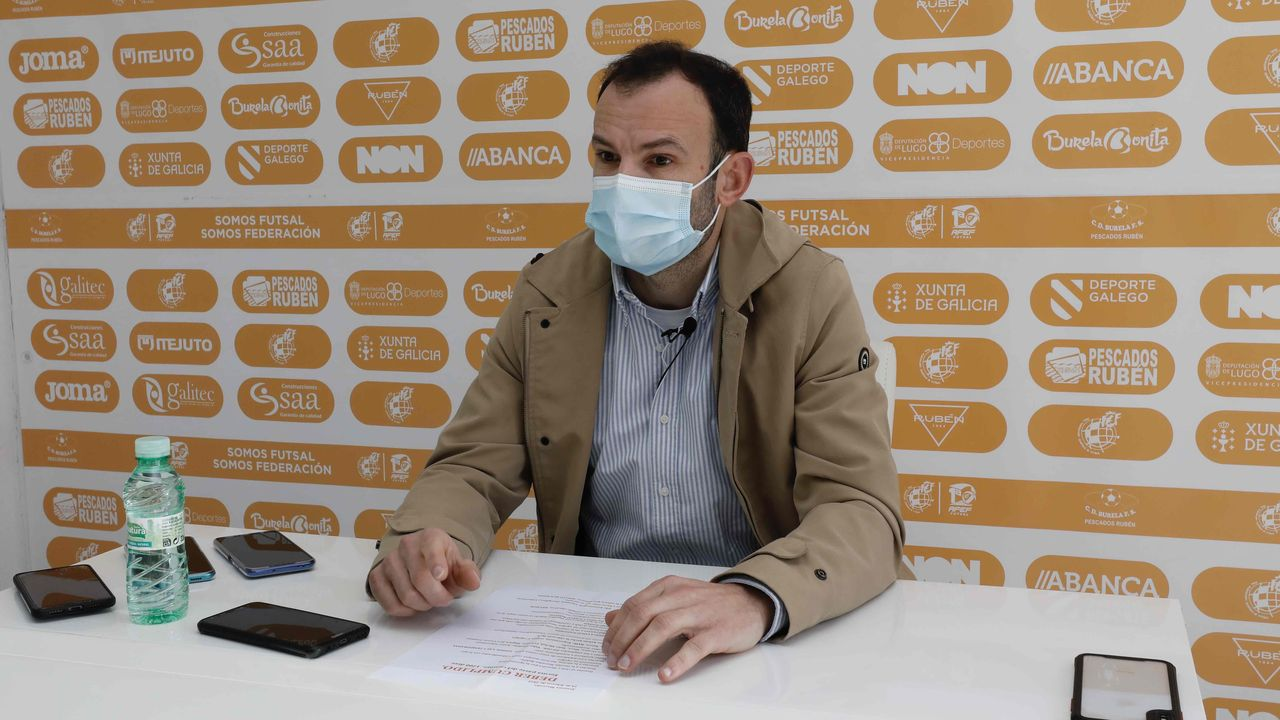 El jugador hispano-uruguayo trabaja en una correduría de seguros en Lugo
