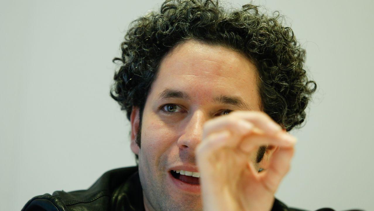 Gustavo Dudamel dirige a los 186 integrantes de la orquesta ReSuena.Gustavo Dudamel