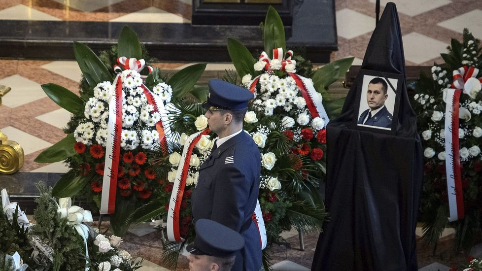 Funeral por dos víctimas polacas del ataque al Museo del Bardo.