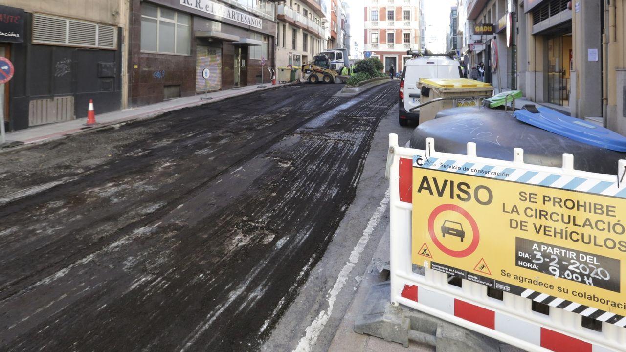 La calle Orzán renueva su asfalto