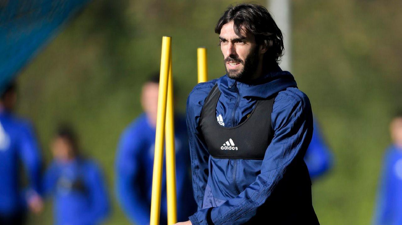 Carlos Martinez Real Oviedo Requexon.Carlos Martínez, durante un entrenamiento en El Requexón