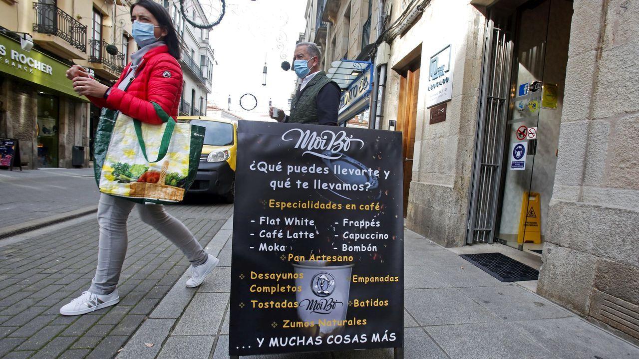 Control de Policía Autonómica y Nacional en la Avenida de Madrid, este domingo por la mañana