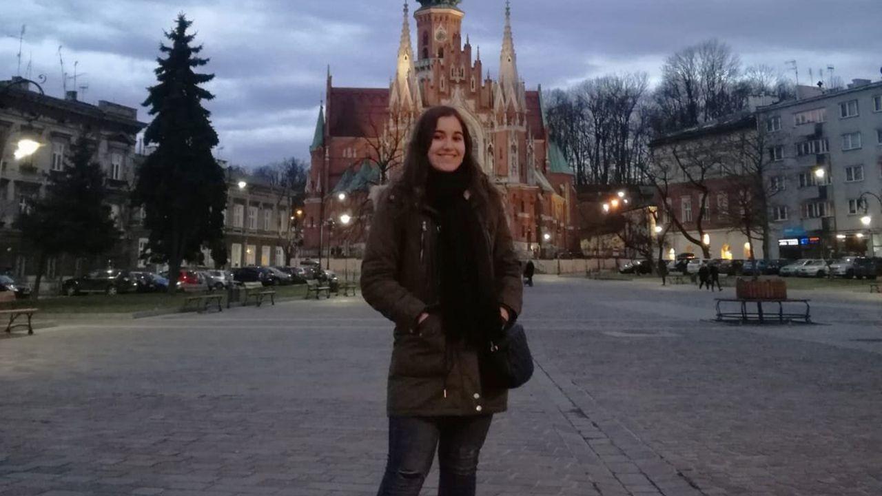 Alumnos, en una jornada de orientación de la Universidad de Oviedo.Andrea Avello, estudiante Erasmus en República Checa