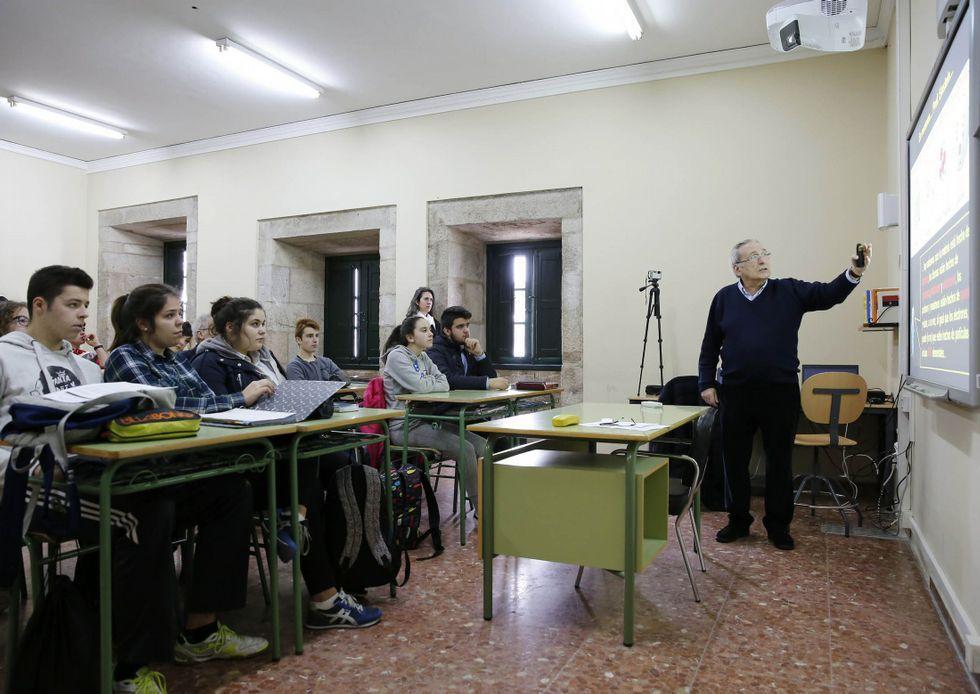 A las jornadas de puertas abiertas del 12 de Outubro acuden los propios estudiantes.