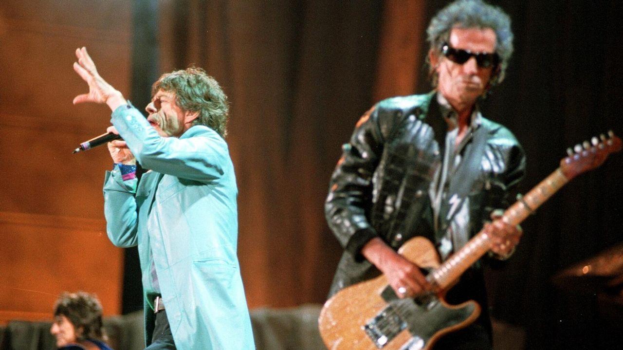 ¿Dónde ir durante la ola de calor?.Gene Simmons, del grupo Kiss, en el festival Monsters Of Rock 2015, en São Paulo (Brasil). Los rockeros están en el cartel de Resurrection, en Vivero (Galicia), y Rock Fest Barcelona