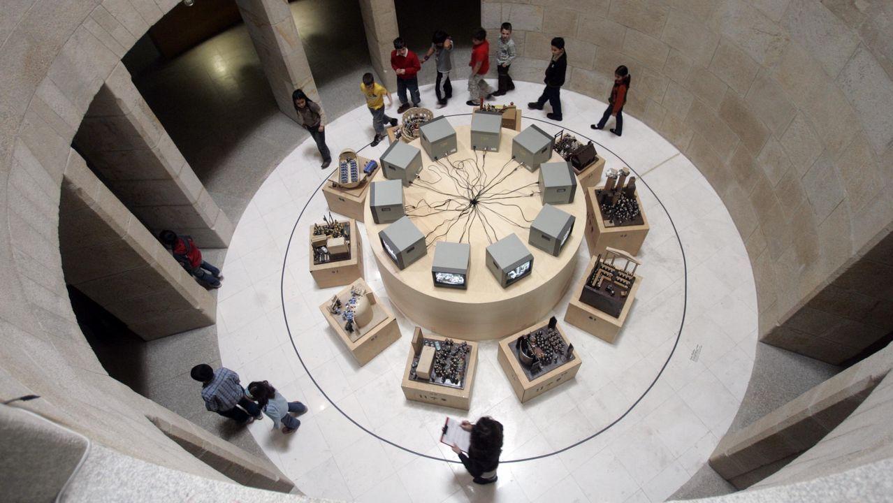 Marco. Vigo. El museo de arte contemporáneo MARCO, se ubica en la vieja cárcel y juzgados (1880). Se integró el viejo edificio en el contexto urbano y se acomodó para albergar exposiciones, biblioteca y seminarios.