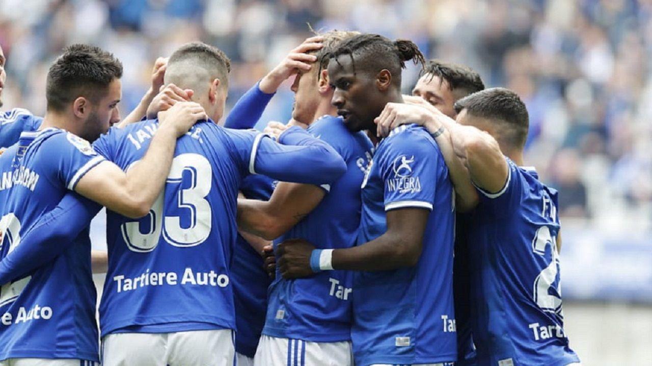 Joselu Requexon Real Oviedo.Los jugadores del Oviedo celebran el 1-0 al Numancia