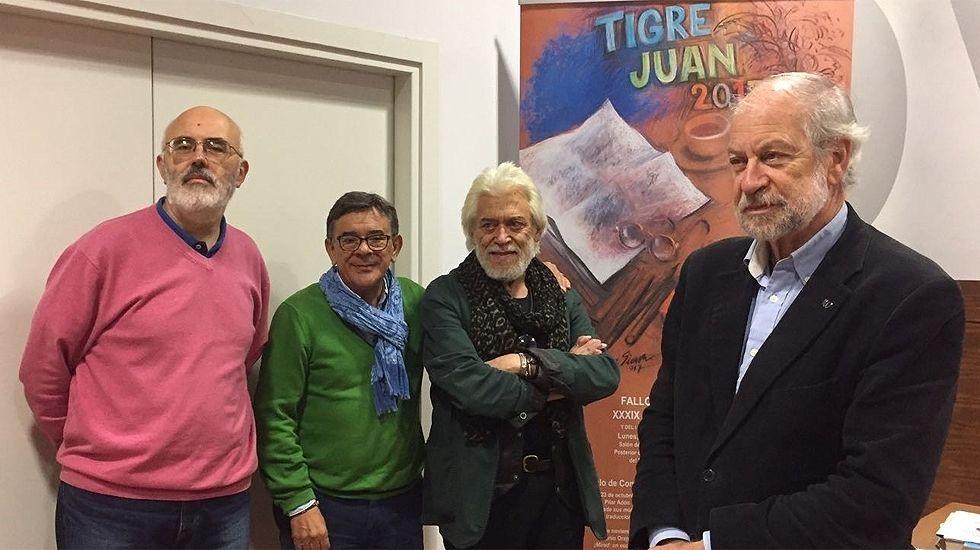 Exposición de belenes en la Plaza de Trascorrales.Un momento de la presentación de los finalistas del XXXIX Premio 'Tigre Juan'