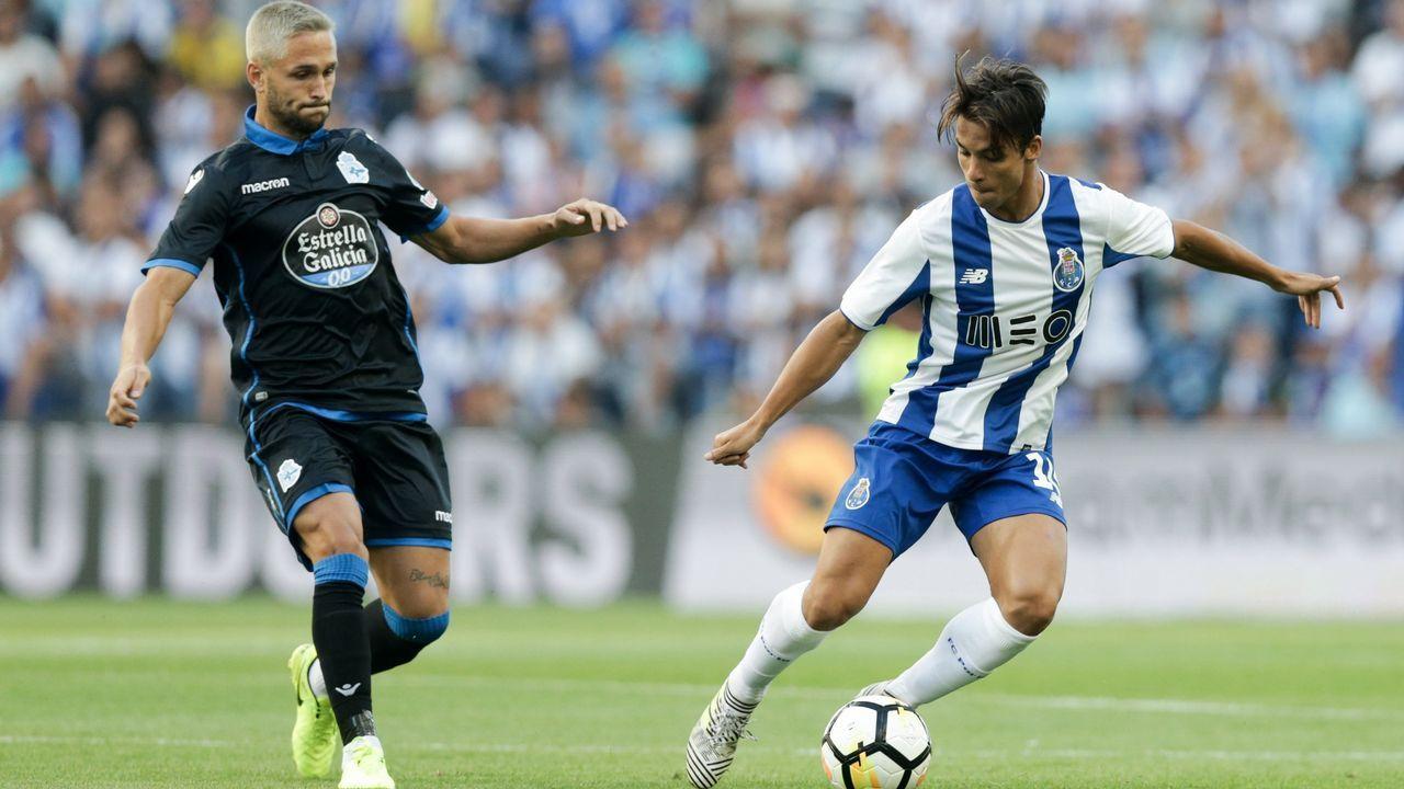 Las mejores imágenes del Oporto - Deportivo.Cortina y Diegui en un entrenamiento, con Ortiz al fondo