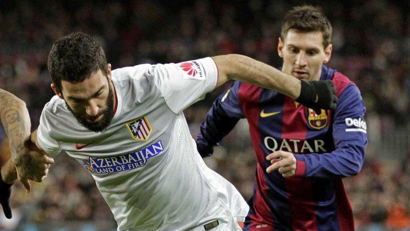 Dani Alves no aclara su futuro en el Barça