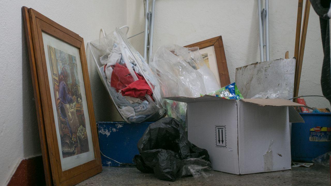 Imagen del rellano de la escalera donde vivía el bebé maltratado de Lugo
