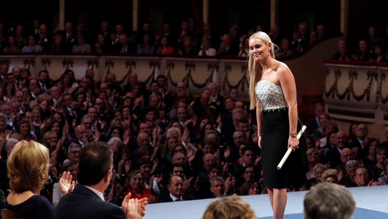 La esquiadora estadounidense Lindsey Vonn tras recibir el premio Princesa de Asturias de los deportes 2019, durante el acto que se celebra este viernes en el Teatro Campoamor de Oviedo