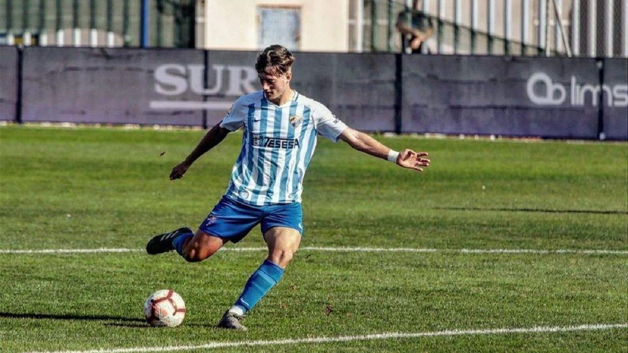 Guille Bernabéu, en un partido con el Málaga juvenil